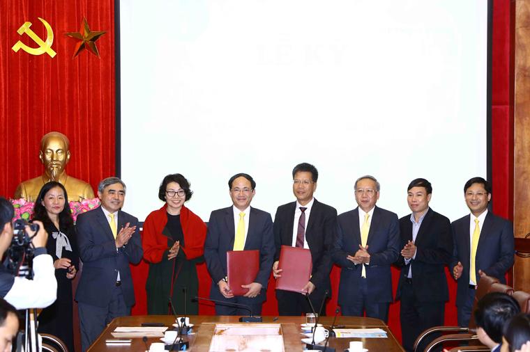 Tổng công ty Bưu điện Việt Nam và Bảo hiểm xã hội Việt Nam ký kết hợp tác cung cấp dịch vụ bưu chính công ích
