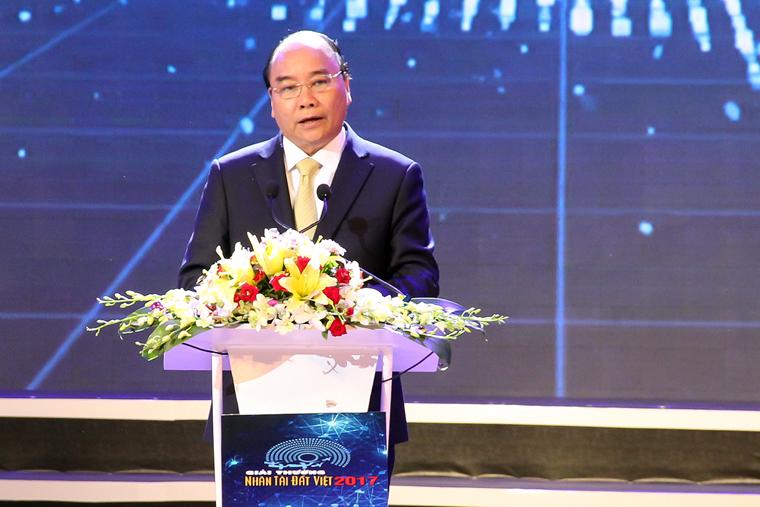 Trao giải thưởng Nhân tài Đất Việt 2017