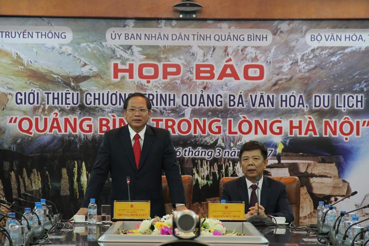 Bộ trưởng Bộ TT&TT Trương Minh Tuấn lưu ý tỉnh Quảng Bình khi tuyên truyền giới thiệu, quảng bá nên chú trọng giới thiệu toàn diện từ truyền thống, lịch sử, văn hóa đến hiện đại, tương lai của tỉnh