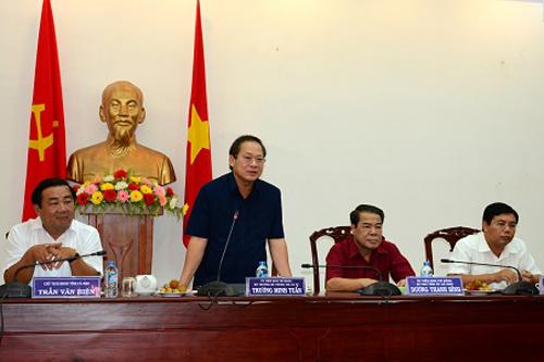 Bộ trưởng Bộ TT&TT Trương Minh Tuấn phát biểu tại buổi làm việc.
