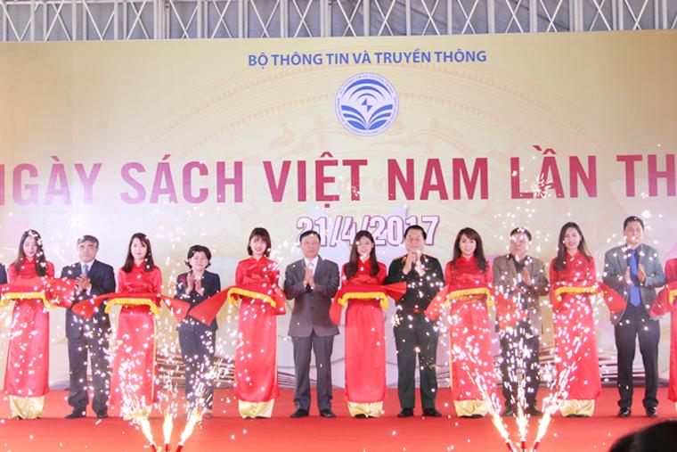 Lễ cắt băng khai mạc Ngày Sách Việt Nam lần thứ 4.