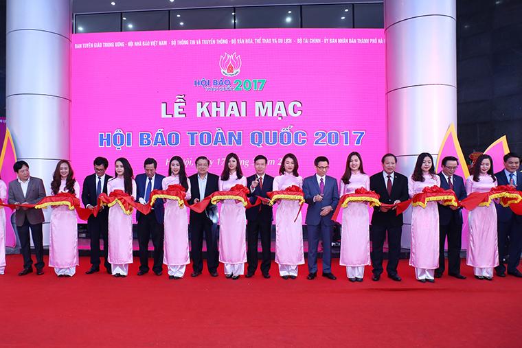 Lễ cắt băng khai mạc Hội Báo toàn quốc 2017
