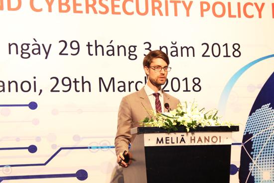 """20180329-pg4-Fb.jpg Hội thảo """"Kinh tế số và chính sách an ninh mạng Việt Nam"""""""