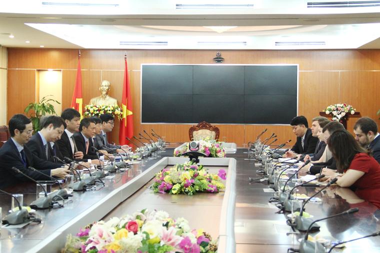 Việt Nam - Nga : Tăng cường hợp tác trong lĩnh vực viễn thông và an toàn thông tin