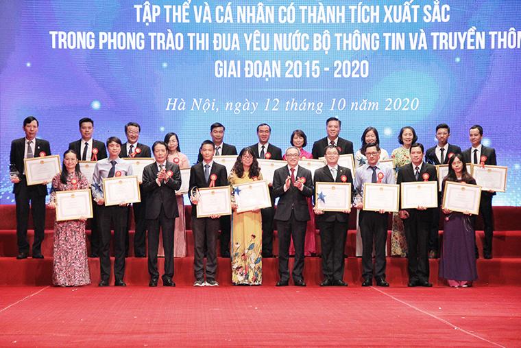 20201012-ta5-canhan1.jpg